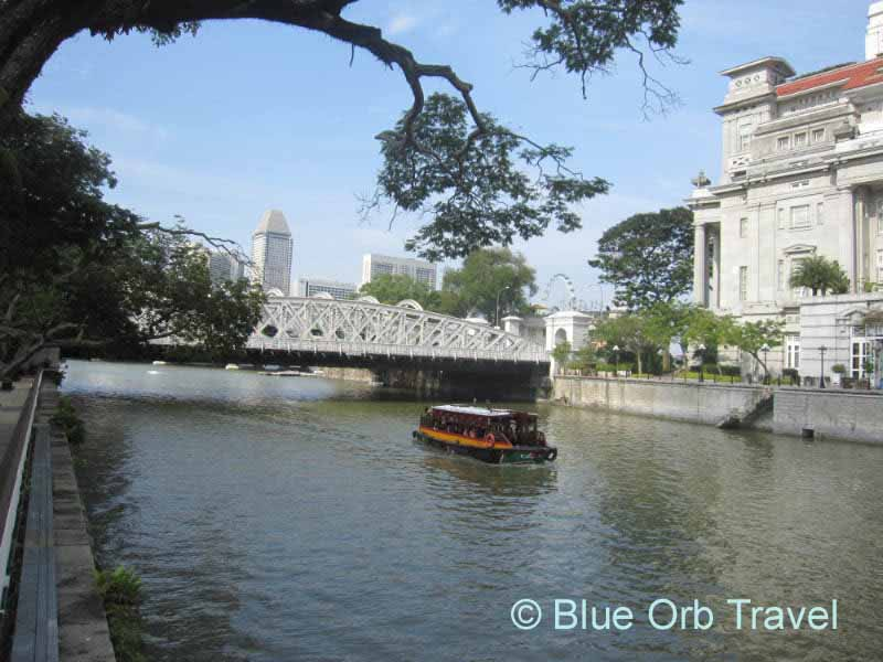 Boat on the Singapore River